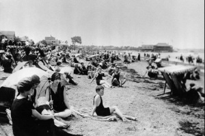 Wollaston Beach with Squantum and Wollaston Yacht Clubs in background. Click image for Boston Globe gallery.